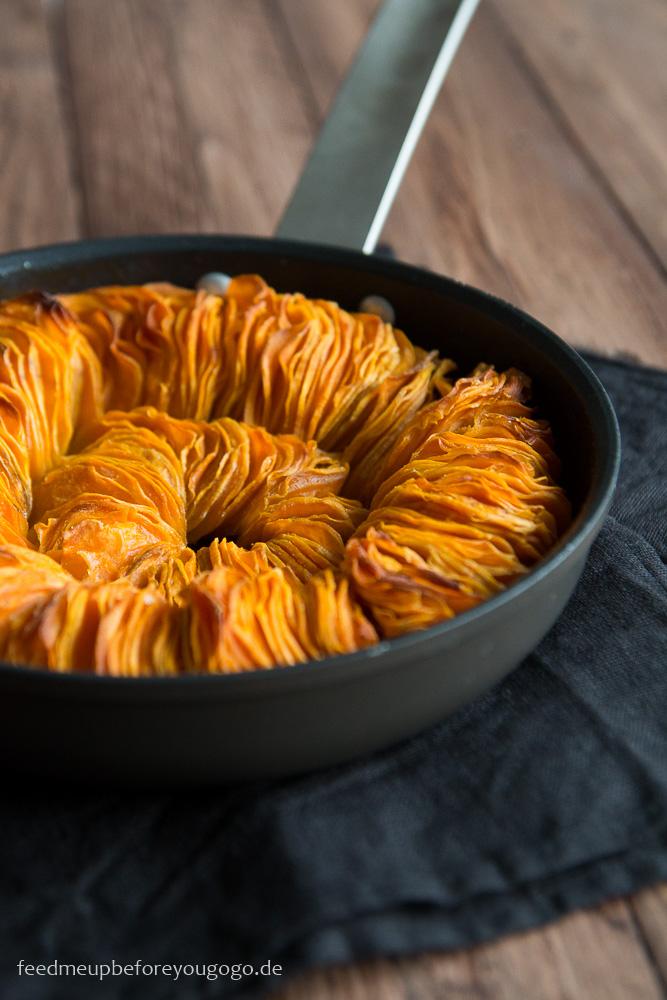 Suesskartoffel-Kokos-Gratin aus der Pfanne. Rezept von feedmeupbeforeyougogo