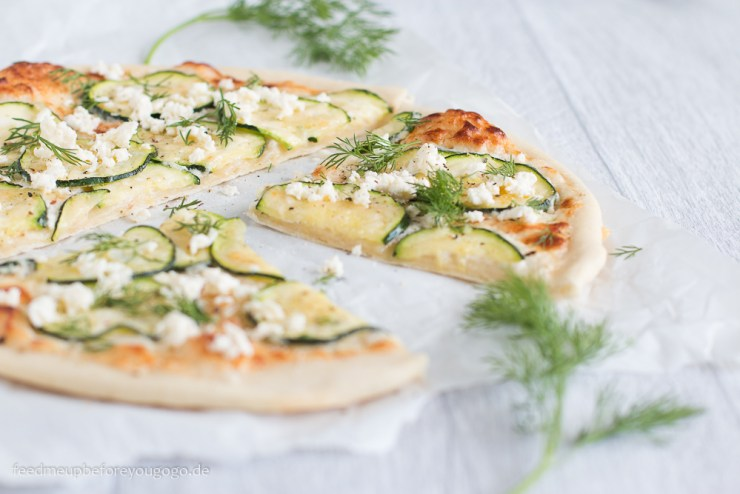 Zucchinipizza mit Dill und Feta Rezept Feed me up before you go-go