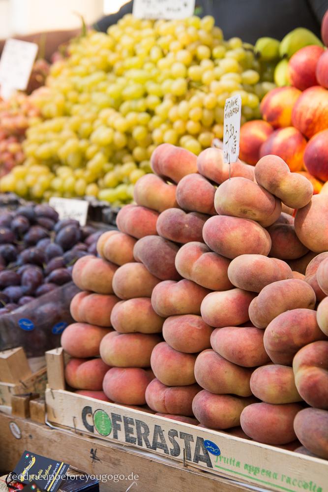 Bozen kulinarisch Obstmarkt Südtirol Italien