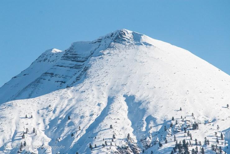 Achenkirch Tirol im Winter mit schneebedeckten Bergen