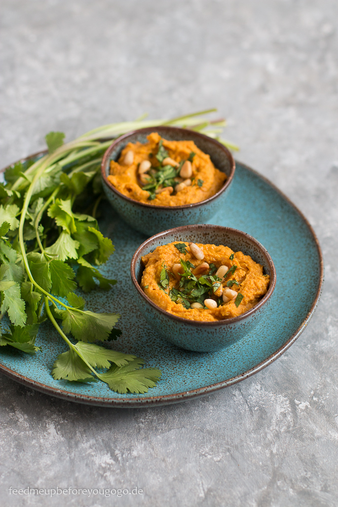Hummus mit gerösteten Möhren und Koriander Rezept