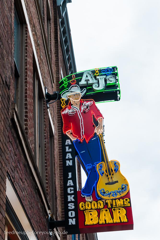 Downtown Nashville Broadway Leuchtschild AJs Good Time Bar