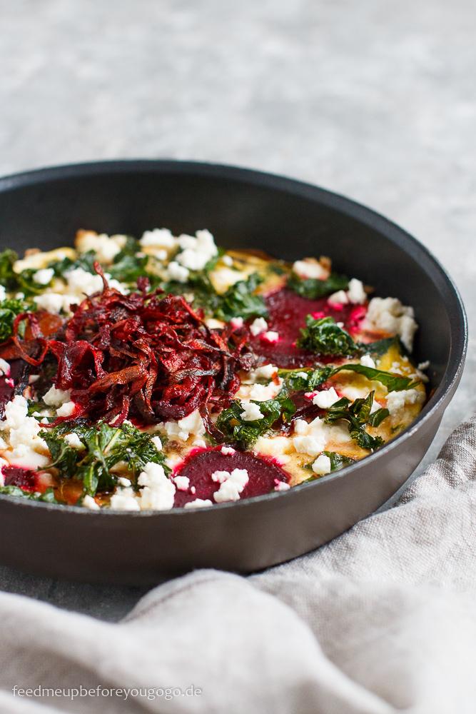 Topinambur-Frittata mit Grünkohl und Roter Bete Rezept
