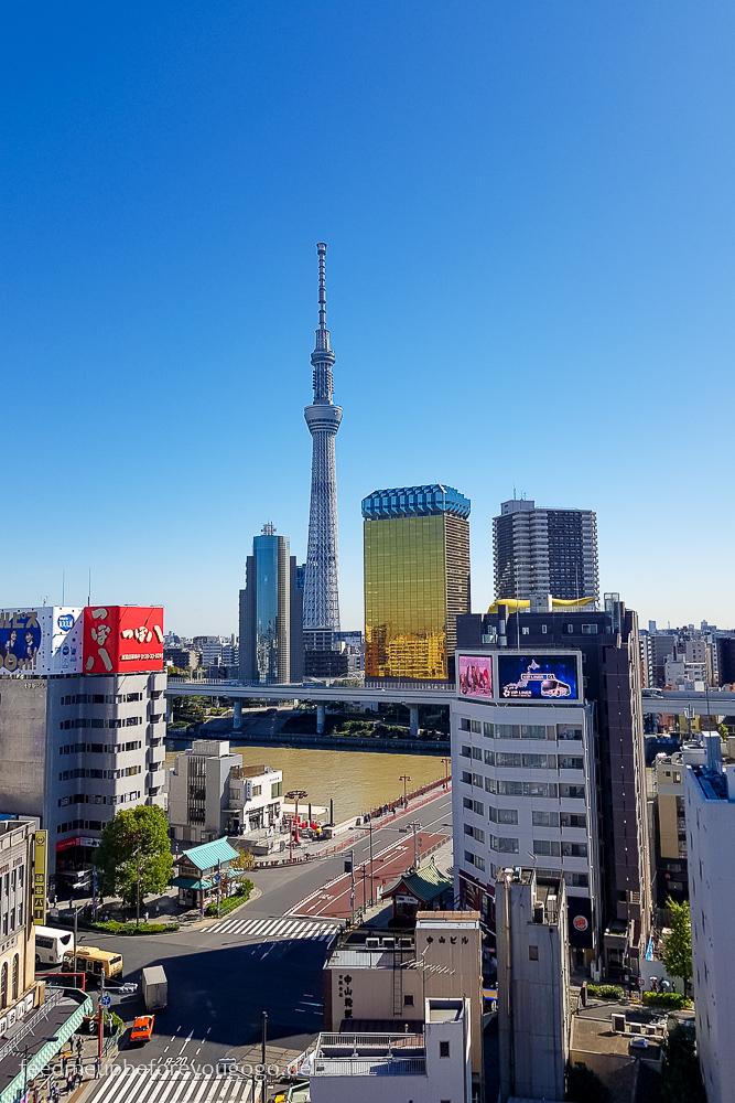 Blick auf Skytree und Asahi Building, Tokio Basics für die Reiseplanung. Tipps für Reise nach Japan