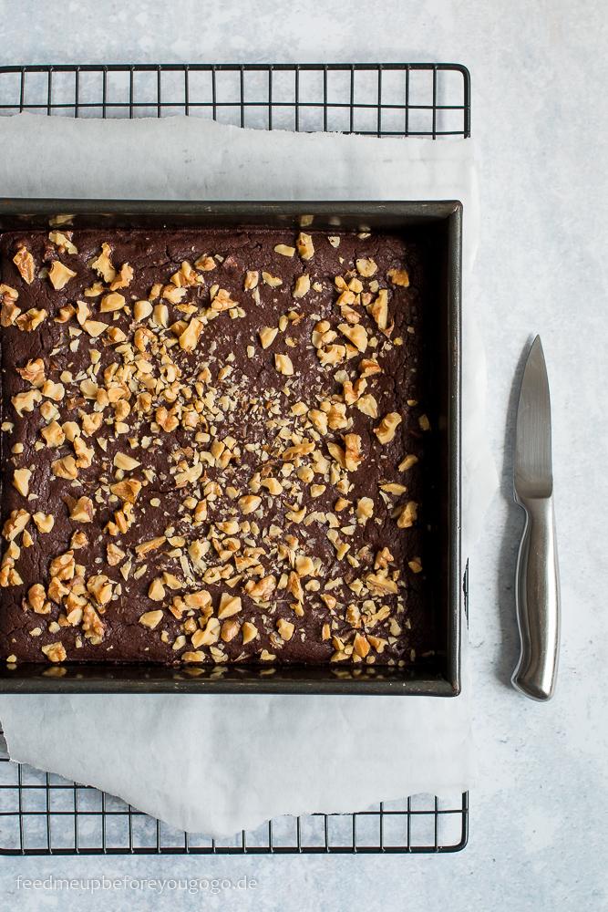 Glutenfreie Schwarze-Bohnen-Brownies mit Walnuessen Rezept
