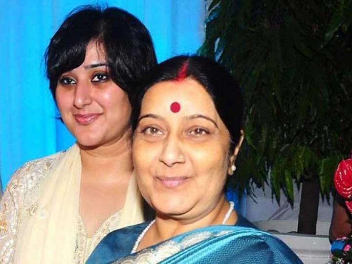 मदर्स डे पर मां Sushma swaraj को याद कर भावुक हुईं Bansuri swaraj, फोटो पोस्ट कर कही ये बात