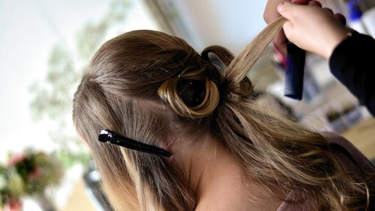 How to Curl Thick Hair. 2 Best methods