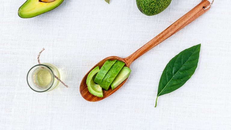 12 Proven Health Benefits Of Avocado Oil