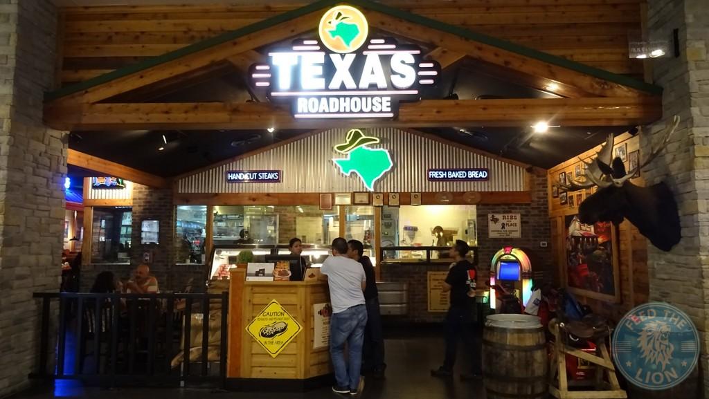 Texas Roadhouse (Steakhouse) - Dubai - Feed the Lion