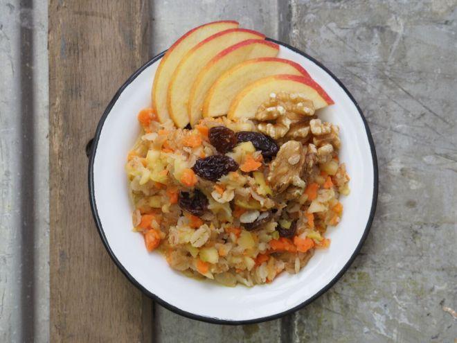 FEED YOUR FITNESS_Carrot Cake Porridge