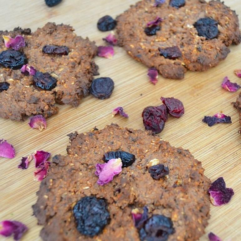 My vegan berry & oat cookies