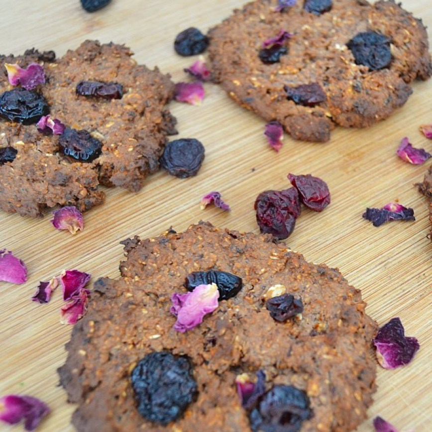 My vegan berry & oat cookies