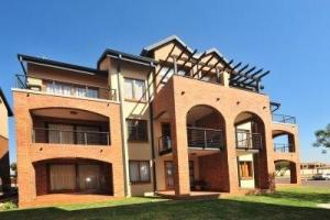 Hilltop Lofts no 83 is a One Apartment in Midrand and is To Let by Feel-at-Home Properties.
