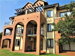 Hilltop Lofts 40 Bachelor Apartment To Let in Carlswald Midrand by Feel-at-Home Properties