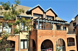 Hilltop Lofts 79 Bachelor Apartment To Let in Carlswald Midrand by Feel-at-Home Properties