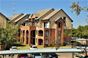 Hilltop Lofts 40 Bachelor Apartment For Sale in Carlswald Midrand by Feel-at-Home Properties