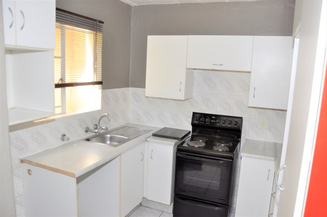 The Shades 32 is a 2-Bedroom Apartment To Let in Garsfontein Pretoria East by Feel-at-Home Properties