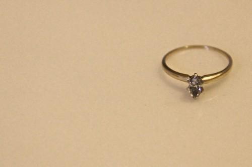 diamond ring representing conflict diamonds