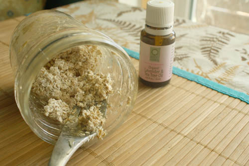 Valentine's Day Ideas: Oatmeal Face Scrub