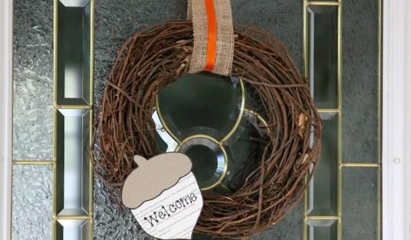 eco-friendly-acorn-wreath