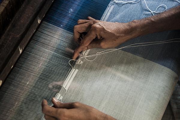 jamdani-artisan-hands