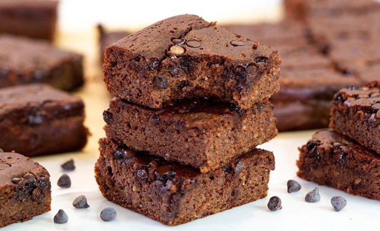 Healthy Flourless Protein Brownies (gluten free, grain free, low calorie)