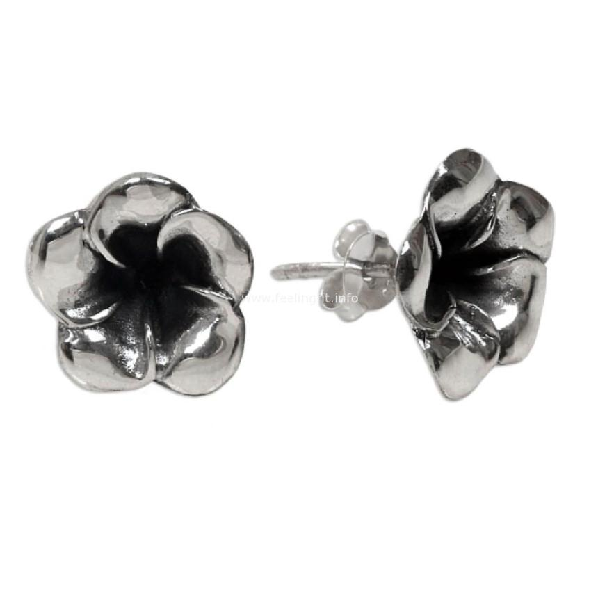 flower bud earrings from Novica