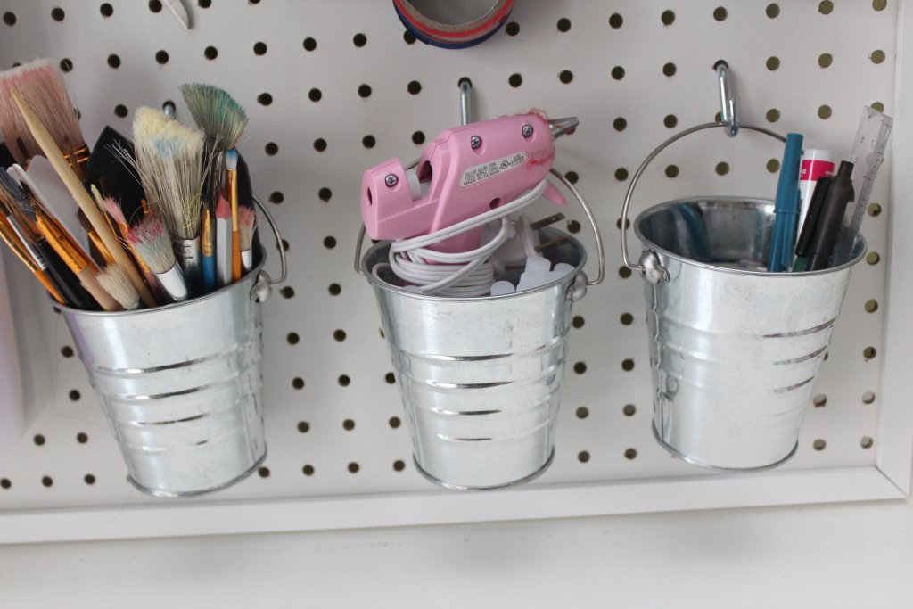 Diy Pegboard For Craft Room With Dollarstore Accessories