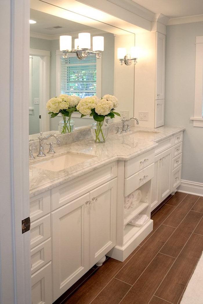 Bathroom Floral Decor