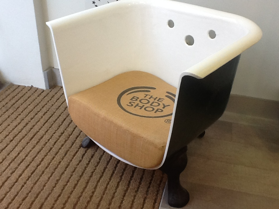 DIY Repurposed Old Bathtubs Into Furniture Ideas That You