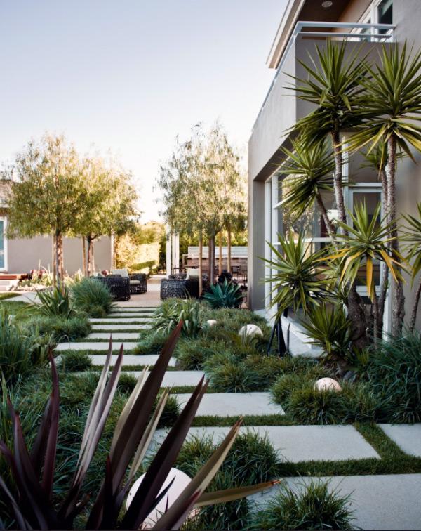 fascinating garden walkways