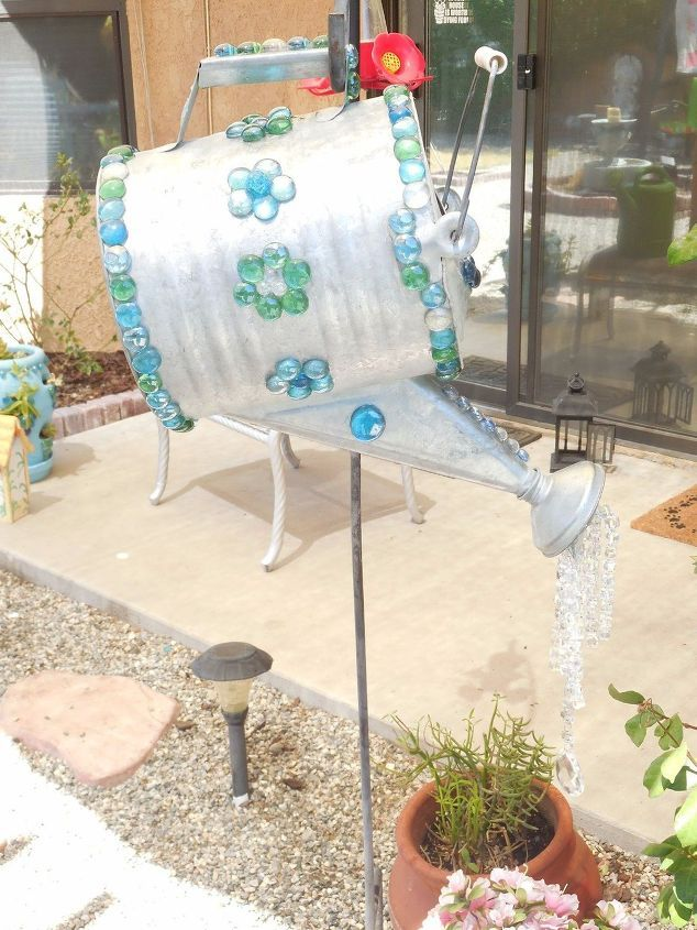 Stunning Watering Cans Decor Ideas For Your Garden