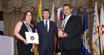 Portuguese organizations in New York award Secretary of State for Communities