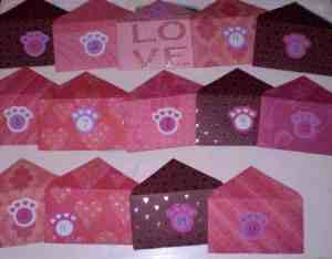 A close up of all the love notes