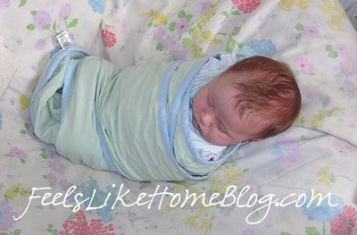 swaddle blanket - must have baby products