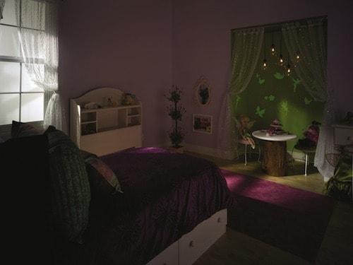 Disney Paint - Ready Set Glow Room 1 - Dark