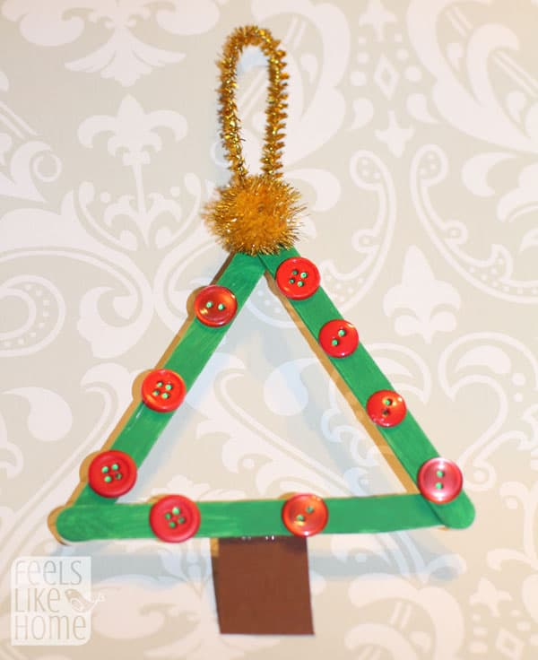 popsicle-stick-christmas-trees-preschoolers-buttons