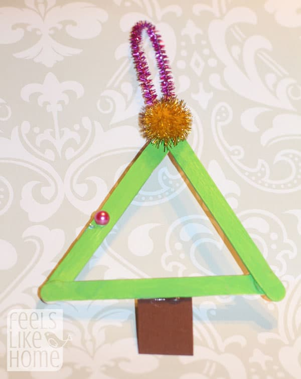 popsicle-stick-christmas-trees-preschoolers