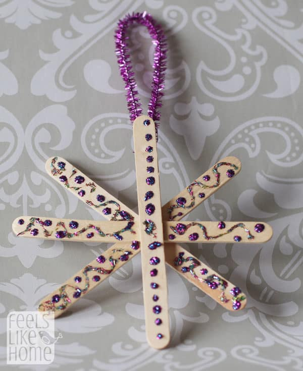 snowflake-ornaments-easy-preschool-craft-purple-dots