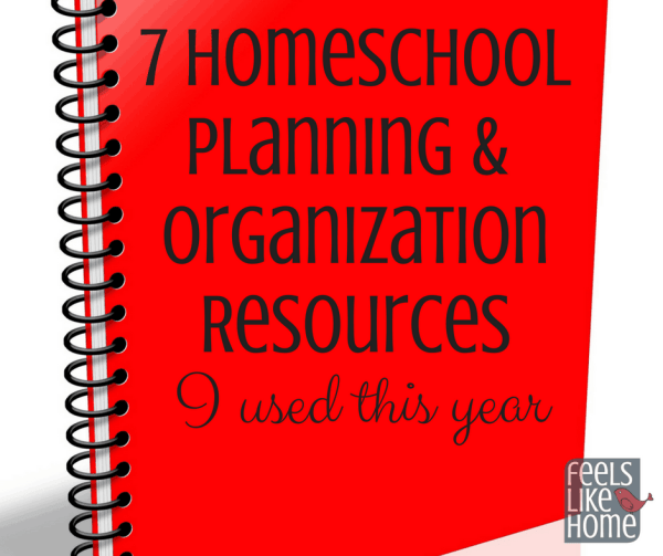 These printable homeschool planning and organization resources will help you with your portfolio and ideas for the whole school year! Some are paid products, and some are free. Includes forms for daily and yearly schedules and curriculum.