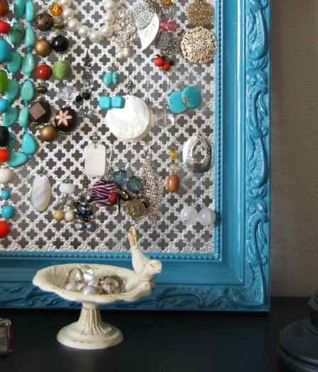 DIY earring holder