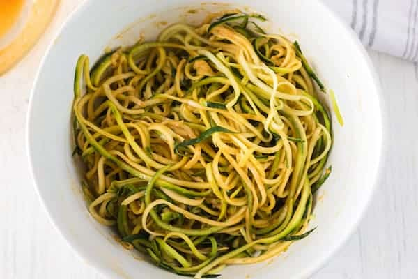 zucchini noodles with peanut sesame sauce