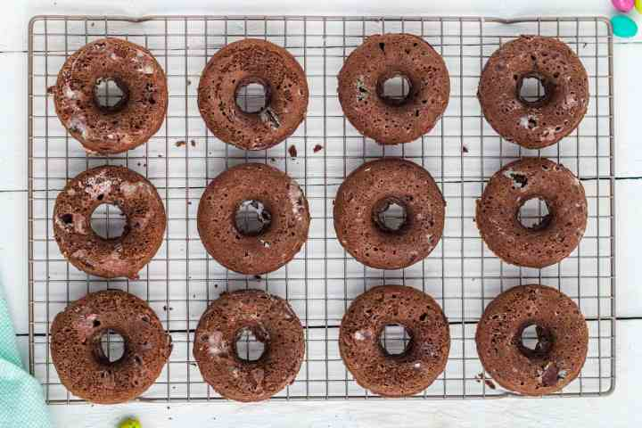 cooked donuts on a cooling rack