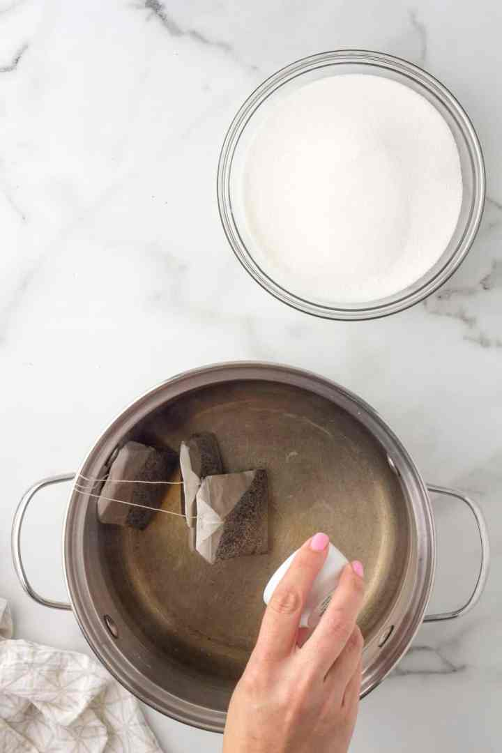 add baking soda to the hot water
