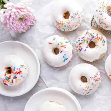 cropped-Baked-Vanilla-Cake-Donut-Recipe-final-wide-2-scaled-1.jpg