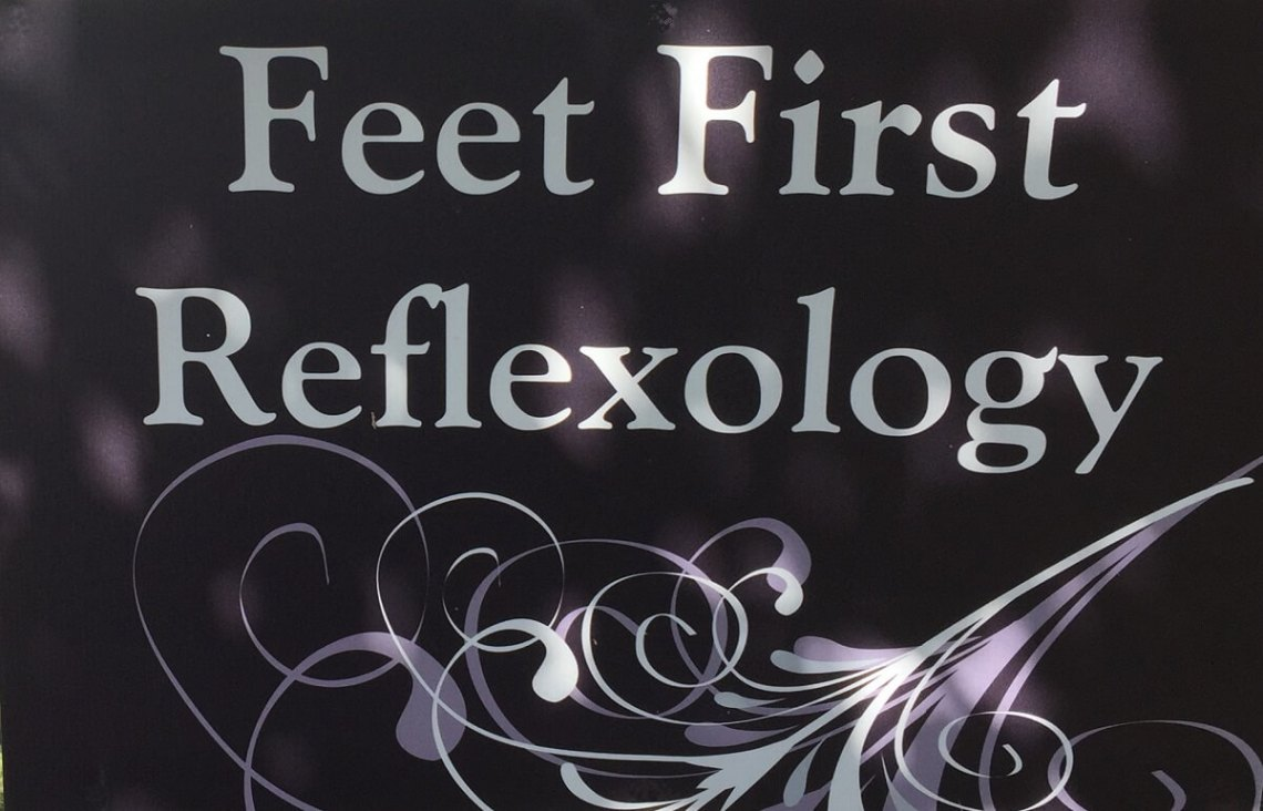 feet-first-reflexology-sign