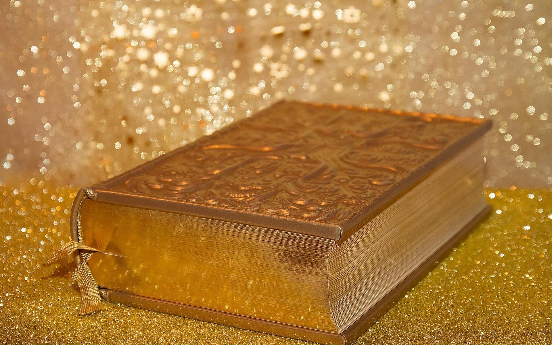 Bibel, Symbolbild, auch für den Märchen Tag