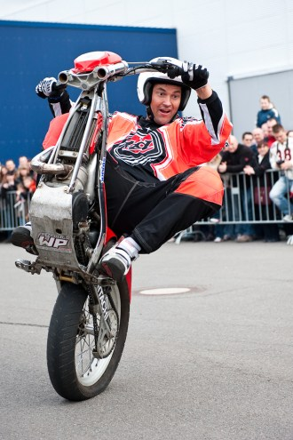 stuntshow-mike-auffenberg-20090314-0003