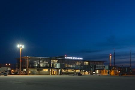 flughafen-erfurt-weimar-nacht-20110411-1013