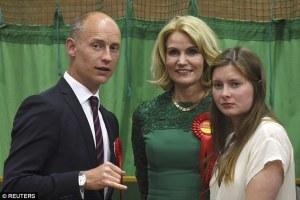 Danimarka başbakanı Thorning-Schmidt, eşi İngiliz Milletvekili ve kızları